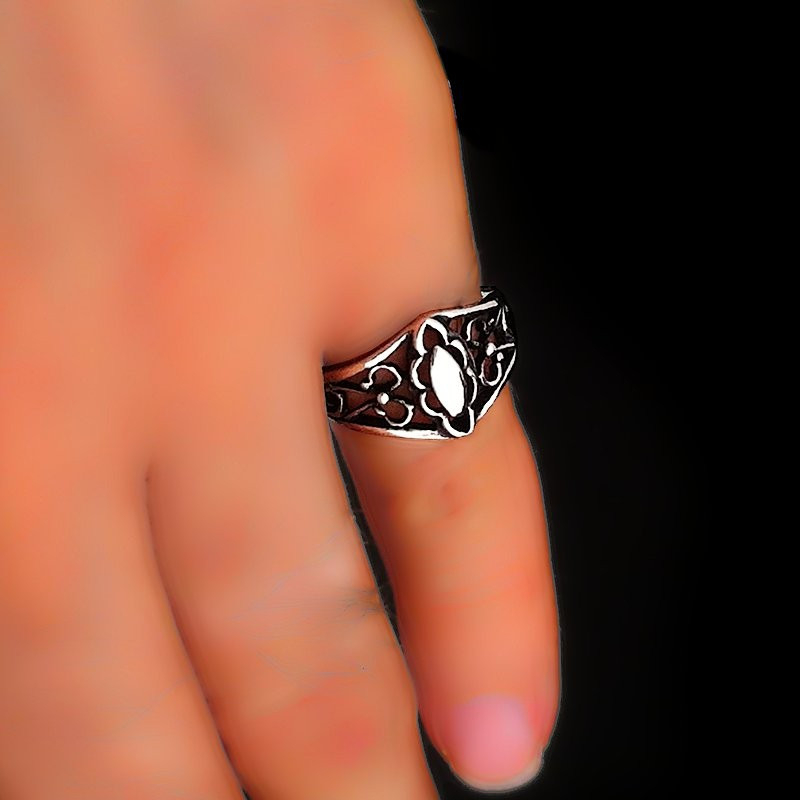 "Ring ""Victorian"""