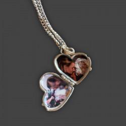 Pendentif médaillon Porte Photo en forme de cœur  avec une patte de chien fait en argent sterling