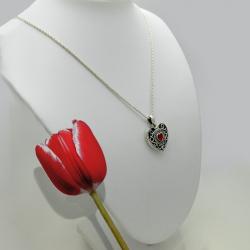 """""""Princesa Alicia"""" Relicario corazón Granate y zirconia cúbica plata sólida"""
