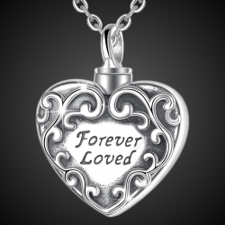 """Ciondolo d'amore """"Loved Forever"""" in argento sterling"""